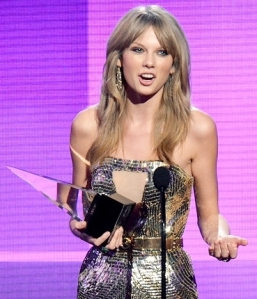 taylor-swift-amas-2013-650-430